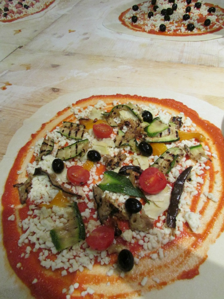 Baby Boomer Travel   Italy   Topping our Pizza