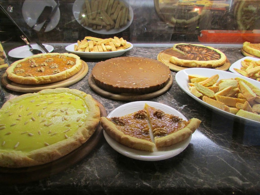 Pies and tarts found in a cafe in Montecarlo di Lucca #Italy - So yummy! #Italiandessert #freshpie #onlyinItaly