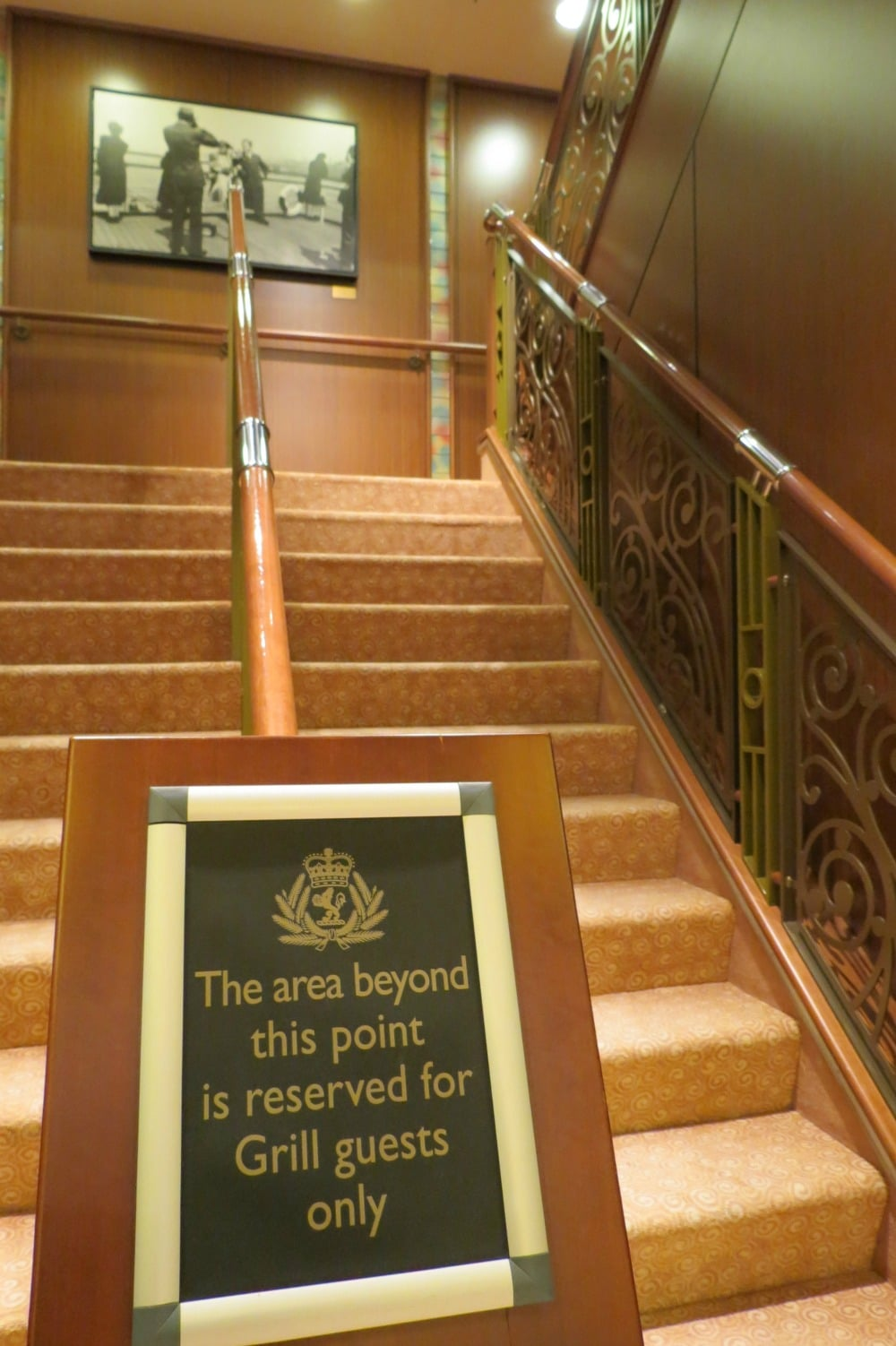 Baby Boomer Travel   Cruising   Queen's Grill Exclusive staircase