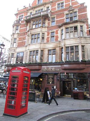 Baby Boomer Travel | London | The Wellington Pub