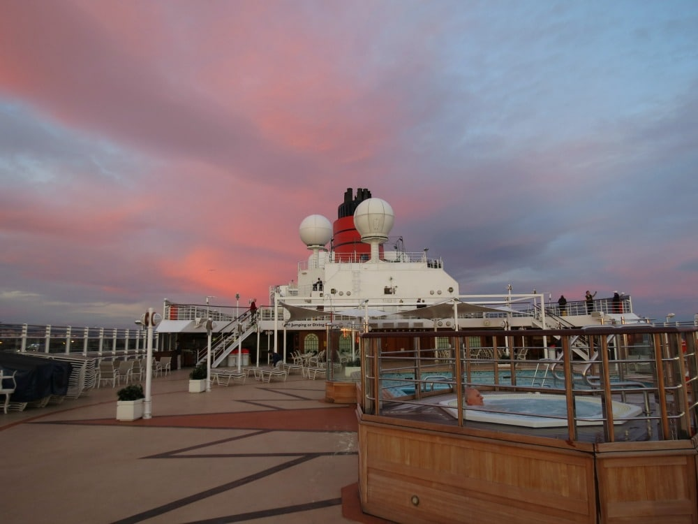 Baby Boomer Travel   Cruising   Cunard Queen Elizabeth top deck pool and Jacuzzi