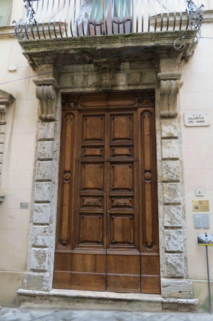 Door in Montepulciano, Italy