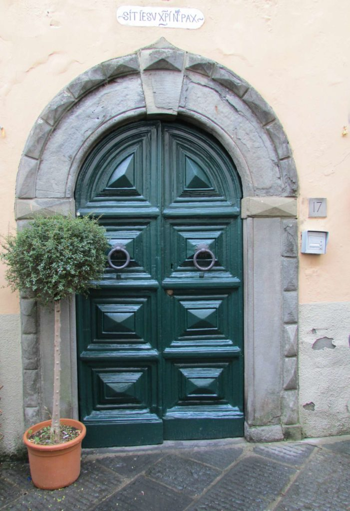 Door - Montecarlo Di Lucca