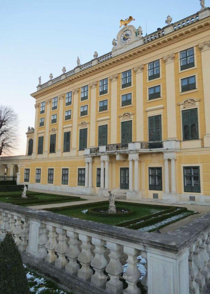 Baby Boomer Travel   Austria   Vienna - Schonbrunn Palace back