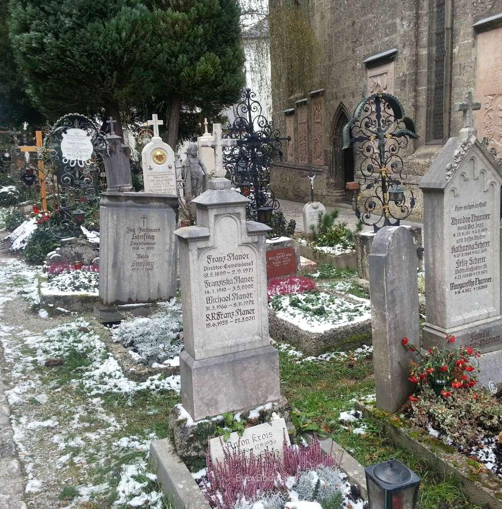 Baby Boomer Travel   Austria   Salzburg cemetery