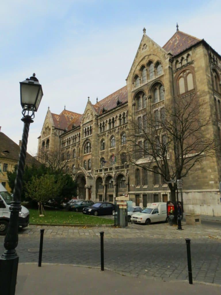 Baby Boomer Travel   Hungary   Lord's Street Building Buda - Budapest