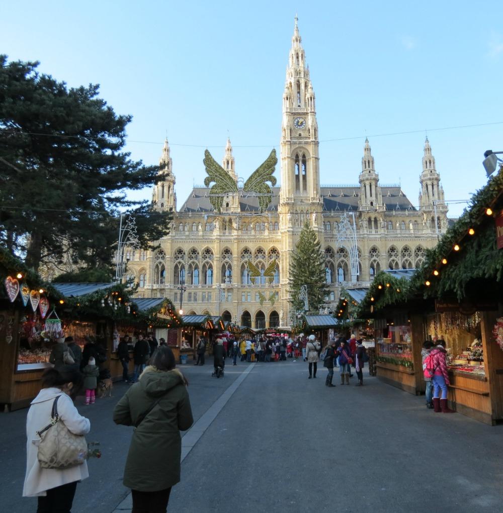 Baby Boomer Travel   Austria   Vienna - Rathausplatz Christmas Market
