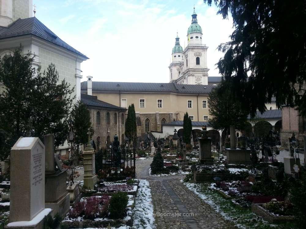 Baby Boomer Travel   Austria   Salzburg - Cemetery