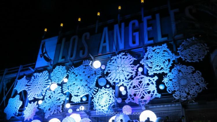 Entrance to the Los Angeles Zoo during the holidays