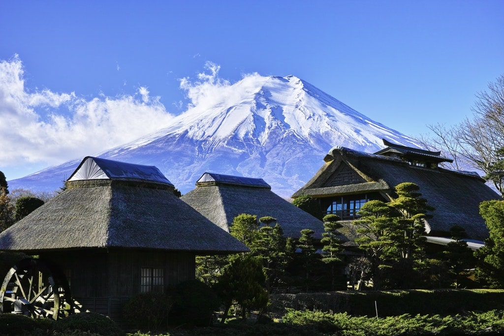 Japan ski resorts are one of the most famous in the world and mostly because of the amazing snowfall perfect for skiing. Hakuba, Niseko, and Myoko Kogen are some of the most popular places to have a wonderful winter holiday.